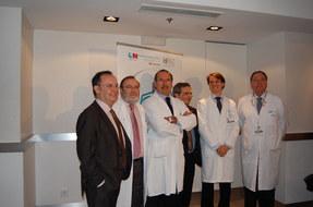 El Dr. Casado Pérez dirige un trasplante de brazos
